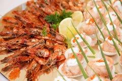 螃蟹和鱼 免版税库存图片