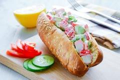 螃蟹沙拉三明治 免版税库存图片