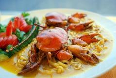 螃蟹油煎的面条 免版税图库摄影