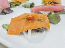 融合日本食物,鱼用辣椒大蒜 库存照片