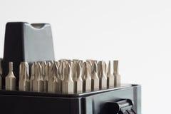 螺丝刀的金属位 工具箱为家庭使用 喷管 免版税库存照片