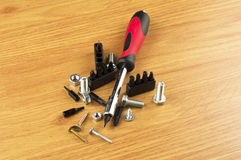 螺丝刀以不同与喷管和螺栓 免版税图库摄影