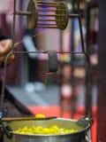 螺丝机,从茧得出丝绸 图库摄影