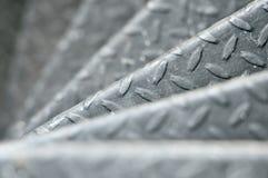 螺旋圈子楼梯装饰内部,做由金属 免版税图库摄影