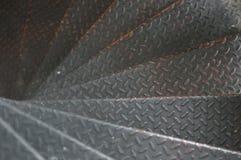 螺旋圈子楼梯装饰内部,做由金属 免版税库存图片