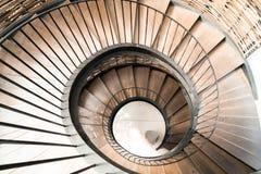 螺旋圈子楼梯装饰内部 免版税库存照片
