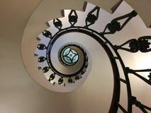 螺旋形楼梯从下面 图库摄影