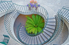 螺旋形楼梯在Embarcadero中心以街市圣法郎 免版税图库摄影
