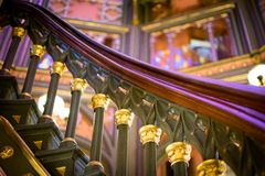 螺旋形楼梯的扶手栏杆细节在老路易斯那州国会大厦大厦的 图库摄影
