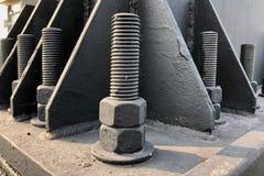 螺栓和坚果在建筑结构 免版税图库摄影