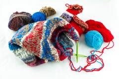 螺纹编织针和球  免版税库存照片