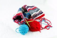 螺纹编织针和球  图库摄影