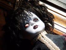 蠕动的goth玩偶 库存图片