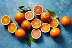 血橙,整个和切 免版税库存图片
