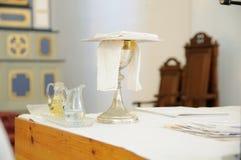 血液、酒和圣水 大量在教会里 免版税库存照片