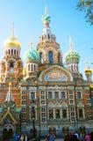 血液教会救主溢出 大教堂圆屋顶isaac ・彼得斯堡俄国s圣徒st 库存照片