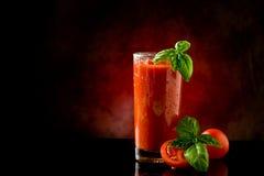 血淋淋的鸡尾酒汁液玛丽蕃茄 免版税库存图片