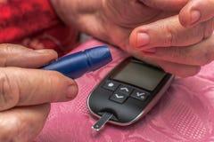 血糖监视 库存照片
