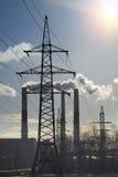 行业横向 用管道输送与电传输烟和线  免版税库存图片