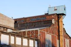 行业被放弃的结构工厂 库存照片