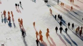 行人交叉路拥挤城市街道 城市都市生活方式 股票视频