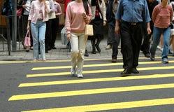 行人穿越道步行者 库存图片