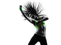 行使健身zumba跳舞剪影的妇女 免版税库存照片