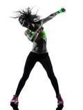 行使健身zumba跳舞剪影的妇女 免版税库存图片