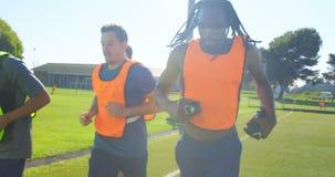行使在领域4k的足球运动员 影视素材