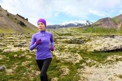 行使连续的妇女-足迹赛跑者运动员 免版税图库摄影