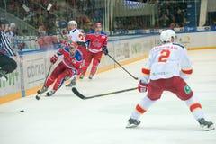 行动的亚历山大Radulov (47)对曲棍球赛 免版税库存照片