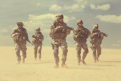 行动的步兵 免版税库存照片