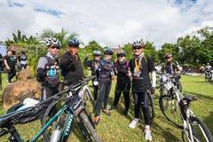 行动的骑自行车的人这个事件一起是自行车在Maekuang Udom T 免版税库存照片
