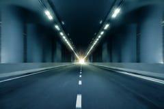 行动迷离隧道透视背景 免版税库存图片