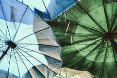 行家老伞背景 库存图片