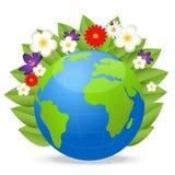 行星地球和明亮的美丽的花在白色背景 免版税库存图片