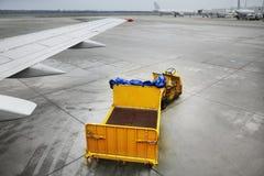行李台车 免版税库存图片