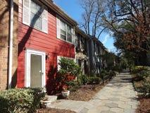 行格住宅在一个街市邻里在威明顿,北卡罗来纳 免版税图库摄影