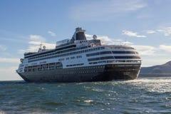 行驶远洋的游轮MS Maasdam 免版税库存图片