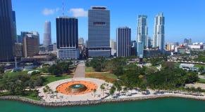 街市佛罗里达迈阿密 惊人的鸟瞰图 免版税图库摄影