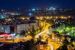 街市加里宁格勒夜的都市风景  从屋顶的看法 库存图片