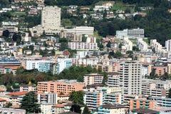 街市卢加诺的房子  免版税库存图片