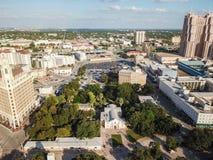 街市圣安东尼奥,面对E的得克萨斯空中都市风景  免版税图库摄影