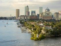 街市坦帕,从口岸的佛罗里达看法  免版税图库摄影