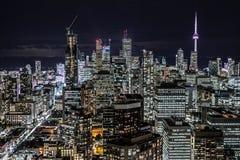 街市多伦多在晚上 免版税库存图片