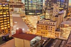 街市奥克兰新西兰市光在晚上 免版税库存图片