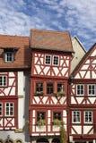 街市奥森富尔特在有半木料半灰泥的房子的巴伐利亚 免版税库存照片