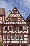 街市奥森富尔特在有半木料半灰泥的房子的巴伐利亚 免版税库存图片