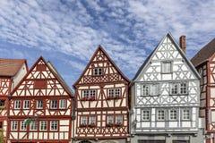 街市奥森富尔特在有半木料半灰泥的房子的巴伐利亚 图库摄影