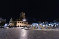 街市布拉索夫在晚上 免版税库存照片